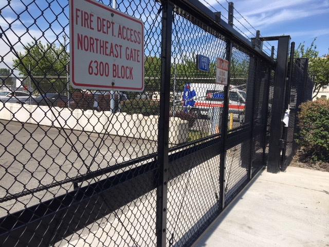 vehicle gate barrier